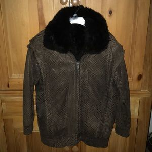 VINTAGE Woman's flight bomber style suede jacket